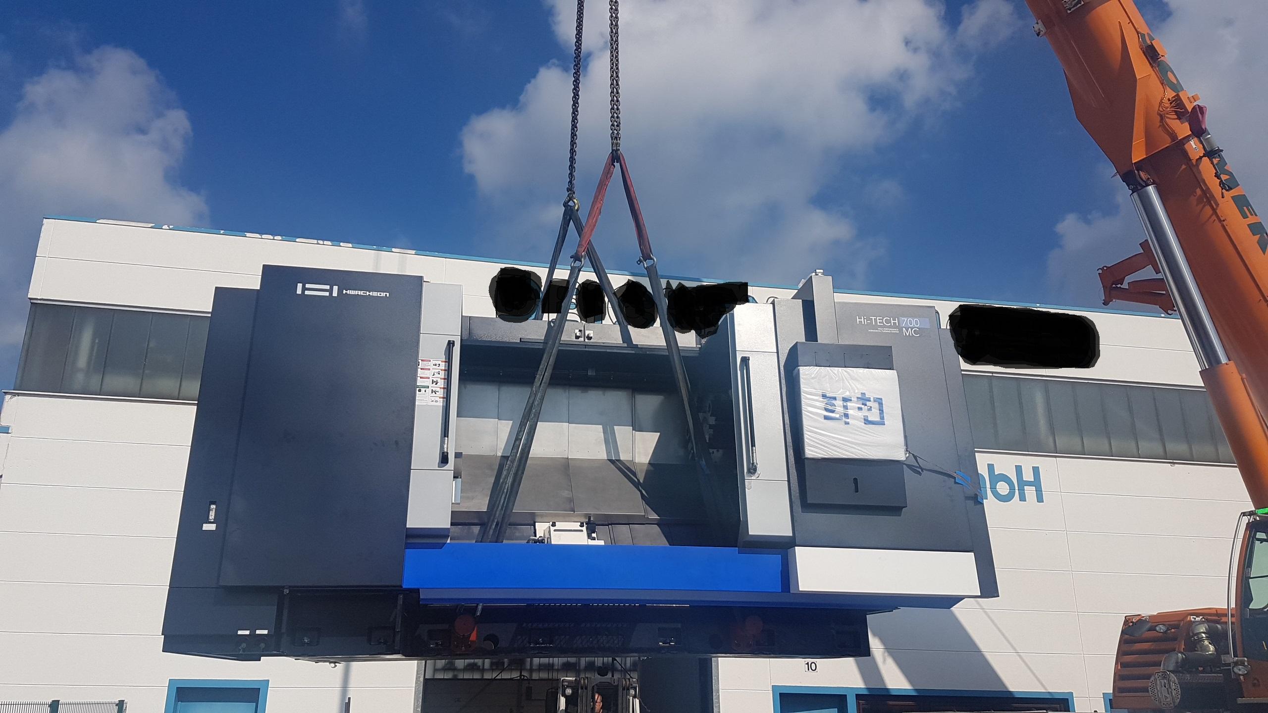 Neumaschinenauslieferung Hwacheon HiTech 700 MC