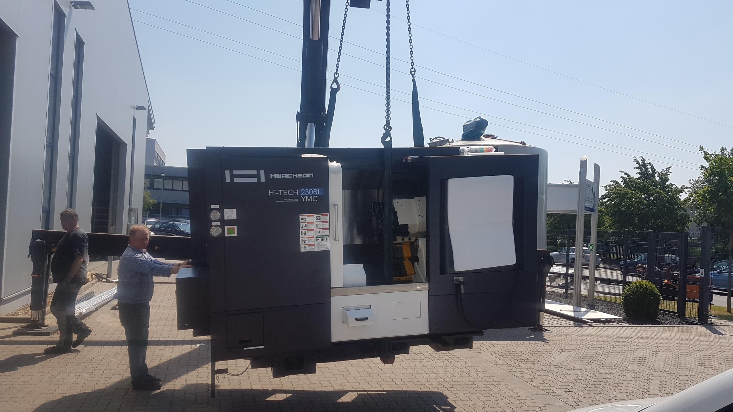 Noch eine Neumaschine von Hwacheon. Auslieferung der CNC- Drehmaschine Hwacheon HiTech 230