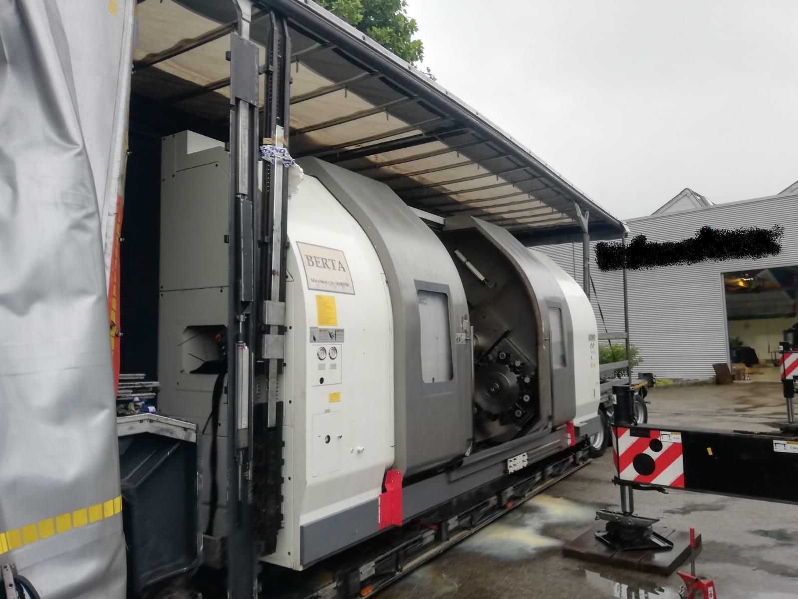 Auslieferung 11- Achsen CNC- Drehmaschine Nakamura